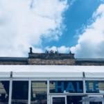 Comic Salon Erlangen 2018: Halle A mit Schoss im Hintergrund
