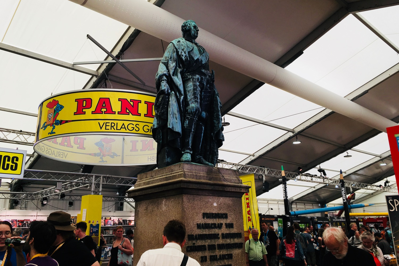 Comic Salon Erlangen 2018: Der Marktgraf überwacht den Comic Salon