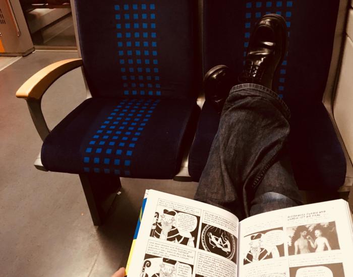 Comics in der Bahn lesen