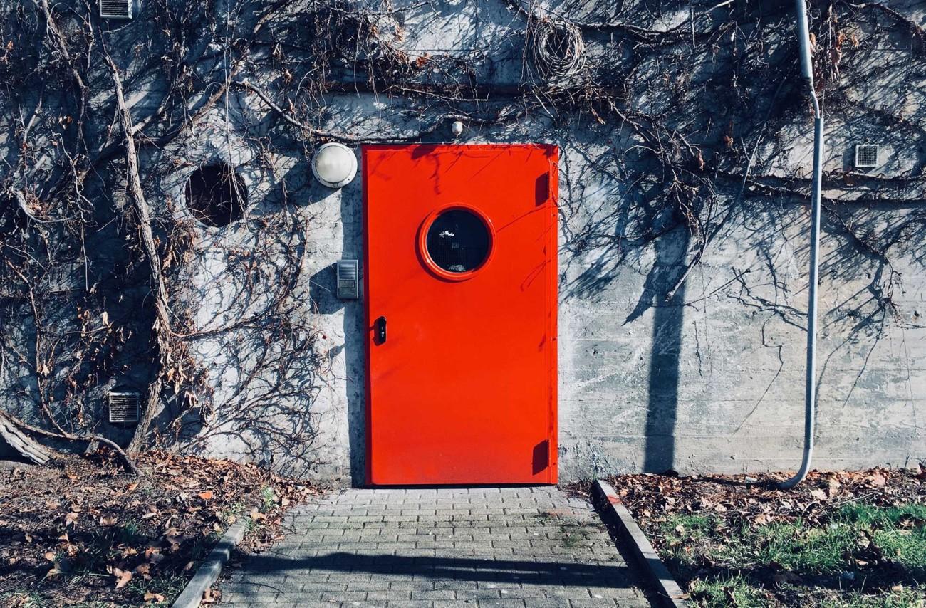 Die rote Tür.