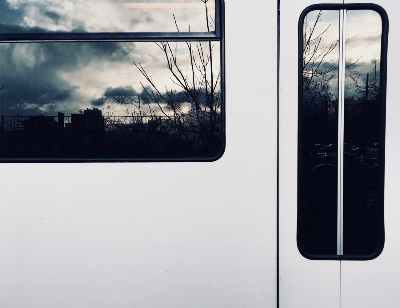 Spiegelung im Fenster