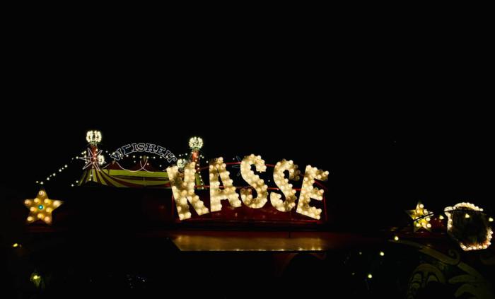 Zirkuskasse des Zirkus Weisheit in Lachen-Speyerdorf