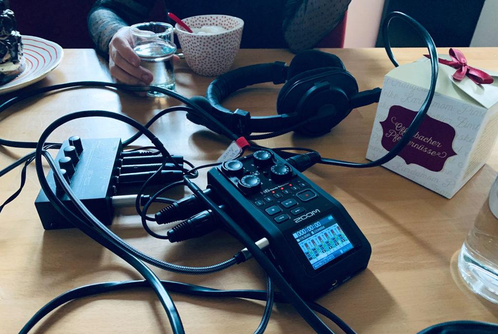 Zirkus019 - Der Podcast Tisch